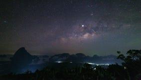 Galassia della Via Lattea alla provincia Tailandia di Phang Nga del sametnangshe fotografie stock libere da diritti