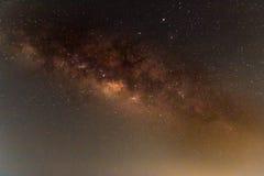 Galassia della Via Lattea, fotografia lunga di esposizione, con grano Immagine Stock Libera da Diritti