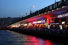 Galata Brücke nachts, Istanbul Lizenzfreie Stockbilder