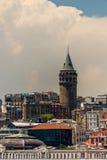 Galata torn i Beyoglu Istanbul Turkiet Arkivfoton