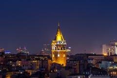 Galata torn Istanbul på natten royaltyfria foton