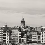 Galata tornsikt från Bosphorus arkivbilder