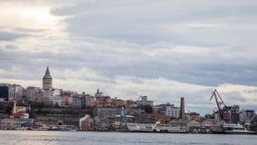 Galata wierza i Złotego rogu morska stocznia Zdjęcia Stock