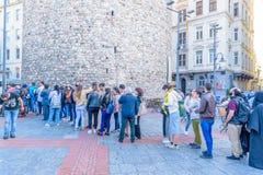 Galatatoren, een middeleeuwse steentoren in Istanboel, Turkije royalty-vrije stock foto's