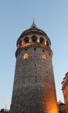 Galatatoren (Galata Kulesi) een middeleeuwse steentoren in het Galata/Karaköy-kwart van Istanboel, Turkije Royalty-vrije Stock Afbeeldingen