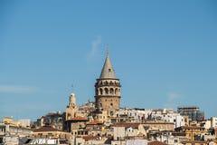 Galatatoren van de tijden van Byzantium in Istanboel stock foto's