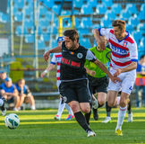 GALATI, ROMANAIA - 5月08日:未认出的足球运动员竞争 图库摄影