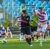 GALATI, ROMANAIA - MAJ 08: Niezidentyfikowani gracze futbolu współzawodniczą Fotografia Stock