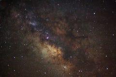 Galaxia de la vía láctea, fotografía larga de la exposición, con el grano Foto de archivo