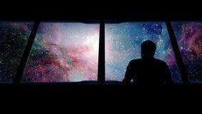Galaxia de Looks Out Approaching del astronauta almacen de metraje de vídeo