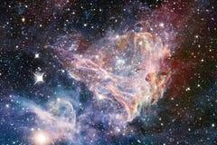 Galaxia increíblemente hermosa en alguna parte en espacio profundo Papel pintado de la ciencia ficción fotos de archivo