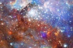 Galaxia que brilla intensamente, papel pintado impresionante de la ciencia ficción ilustración del vector
