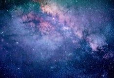 Galaxie colorée de manière laiteuse avec les étoiles et la poussière de l'espace dans l'univers photo libre de droits