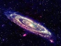 Galaxie en spirale rougeoyante dans l'espace images stock