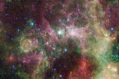 Galaxie incroyablement belle beaucoup d'années lumière loin de la terre photographie stock