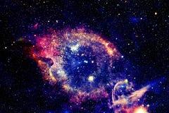 Galaxie lumineuse avec des étoiles dans l'espace extra-atmosphérique photos libres de droits