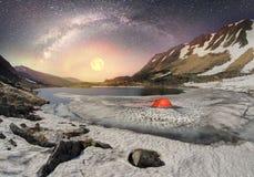 Galaxie und Berbeneskul Stockbilder