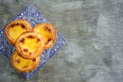 Galdéria do ovo de Portugal com azulejo fotografia de stock royalty free