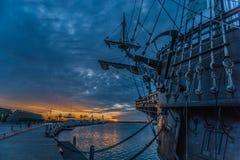 Galeón de la puesta del sol de Valencia imagen de archivo