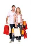galen shoppingtur för par Arkivfoton