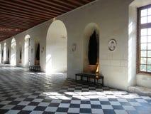 Galería en el castillo francés de Chenonceau, Francia Imagenes de archivo