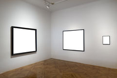 Galería vacía con los marcos vacíos Foto de archivo