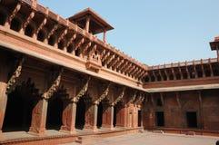Galerías hermosas dentro del fuerte rojo de Agra, la India Foto de archivo libre de regalías
