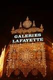 Galerías Lafayette en el tiempo de la Navidad Imagenes de archivo