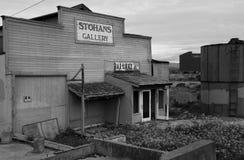 Galeria abandonada na fileira da fábrica de conservas fotografia de stock royalty free