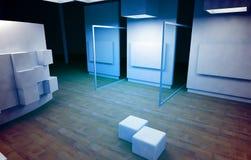Galeria de arte com frames em branco Fotos de Stock