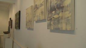 Galeria de arte de gama alta interna (3 de 7) video estoque