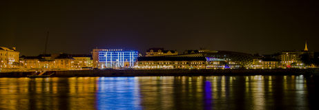 Galeria e universidade novas de Corvinus em Budapest Fotografia de Stock