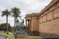 Galeria Sztuki Nowe południowe walie z statuą Fotografia Royalty Free