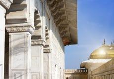 Galeria z kolumnami w białym pałac Czerwony fort agra indu Fotografia Royalty Free