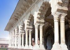 Galeria z kolumnami w białym pałac Czerwony fort agra indu Zdjęcia Stock