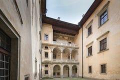 Galerie von Schloss Nowy Wisnicz in Polen Lizenzfreies Stockbild