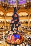 Galeries Lafayette bij Kerstmis in Parijs, Frankrijk Stock Fotografie