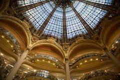 Galeries Lafayette-binnenland in Parijs Stock Fotografie