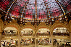 Galeries Lafayette cubren con una cúpula Imágenes de archivo libres de regalías
