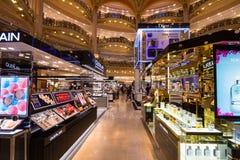 Galeries Lafayette en París Foto de archivo libre de regalías
