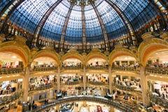 Galeries Lafayette i paris Arkivbild