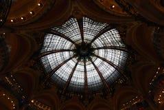Galeries Lafayette-Opslag, koepel, plafond, de bouw, symmetrie Stock Afbeelding
