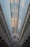 Galeries Royales Helgon-Hubert Utsmyckade 19 gallerier för thårhundradeshopping i mitten av Bryssel, Belgien arkivfoton