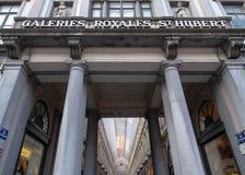 Galeries Royales St Hubert Utsmyckade 19 gallerier f?r th?rhundradeshopping i mitten av Bryssel, Belgien arkivbild