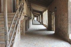 Galerij met cellen voor de monniken in het klooster Santuari DE Lluc, Mallorca, Spanje stock foto's
