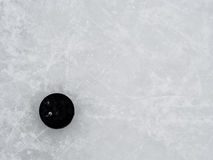 Galet d'hockey sur la glace photos stock