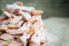 Galho friável das cookies com açúcar pulverizado Fotografia de Stock Royalty Free