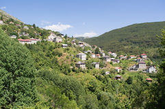 Galicnik by, nationalpark Mavrovo Arkivfoton