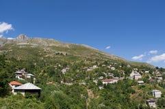 Galicnik by, nationalpark Mavrovo Royaltyfri Fotografi