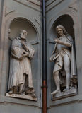 Galileo Galilei i Pier Antonio Micheli Statuy w Uffizi galerii, Florencja, Tuscany, Włochy Obraz Royalty Free